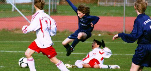Weil sie auf zwei Spieler verzichtet haben, sind die Jungs aus der 2. A Jugend des ATS Buntentor vom Bremer Fußballverband ausgezeichnet worden. Symbolfoto/Wikipedia