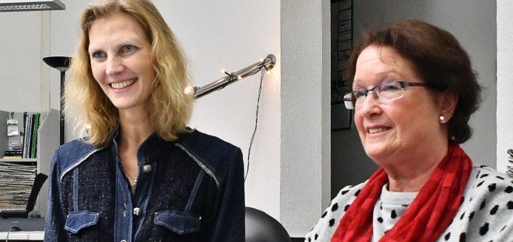 Margitta Spiecker (r.) ist seit 1988 beim NABU Delmenhorst aktiv, war bis 2004 deren erste Vorsitzende und ist seither Referentin für nachhaltige Siedlungsentwicklung. In ihre Fußstapfen tritt jetzt Dr. Yvonne Ingenbleek. Foto: Konczak