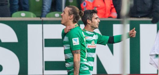 Max Kruse (l.) und Fin Bartels sicherten mit ihren Toren den Sieg gegen Ingolstadt. Foto: Nordphoto