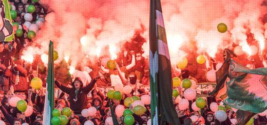 Ultras zündeten beim Spiel gegen Ingolstadt Pyrotechnik und denunzierten auf Plakten Polizisten. Das hat jetzt ein Nachspie. Foto: nordphoto