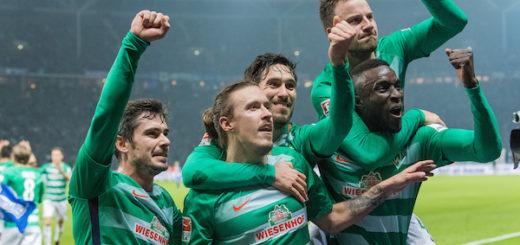 Die Werder-Profis bejubeln den Treffer zum 1:0 in Berlin von Max Kruse (M.). Foto: Nordphoto