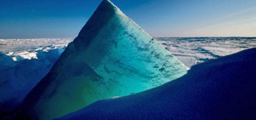 """Auch die Eiswüste im Nordpolarmeer hat Michael Martin für sein Buch und den Multimedia-Vortrag """"Planet Wüste"""" fotografiert.Foto: Michael Martin"""