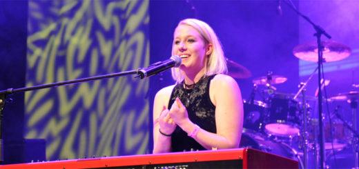 Die Osterholz-Scharmbeckerin Linda Schinkel setzte sich beim Deutschen Rock Pop Preis als Beste Sängerin durch. Foto: Cornelius Ledig