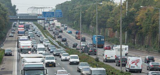 Silvester und Neujahr ist mit hohem Verkehrsaufkommen zu rechnen. Foto: ADAC/Stefan Kiefer