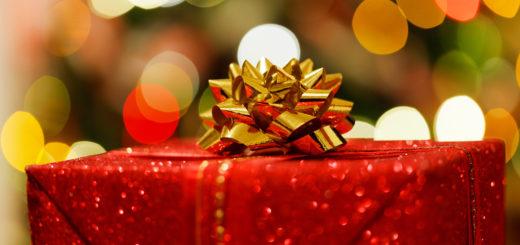 Auch wenn die Verpackung schön ist, gilt das nicht für jedes Weihnachtsgeschenk. Foto:public domain pictures/Petr Krachovil