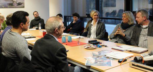 Zum ersten Treffen waren Vertreter von Schulen, Polizei, Jugendgerichtshilfe und des Vereins GhJ gekommen. Foto: Füller
