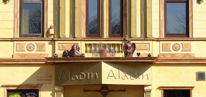 Vor dem Aladin in Hemelingen ist es laut Staatsanwaltschaft in der Silvesternacht zu einer Messerstecherei gekommen. Symbolfoto/wikipedia