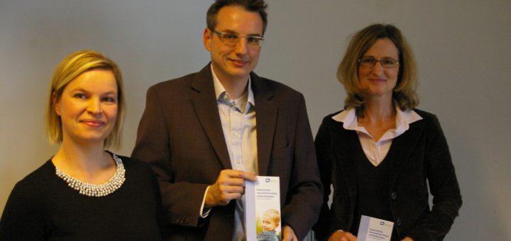 Fachbereichsleiter Thomas Lauts, Beiständinnen Ilka Schiefner (links) und Claudia Dummann
