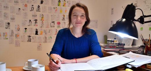 Anke Bär recherchierte in Delmenhorst zu Hermine David und fertigte Illustrationen für ihr Buch an. Außerdem diskutierte sie mit den Galeriebesuchern über ihr Projekt.Foto: Konczak