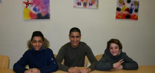 Ihr Stadtteil ist ihnen wichtig: Onur (v.l.), Majid und Noah Foto: Neloska