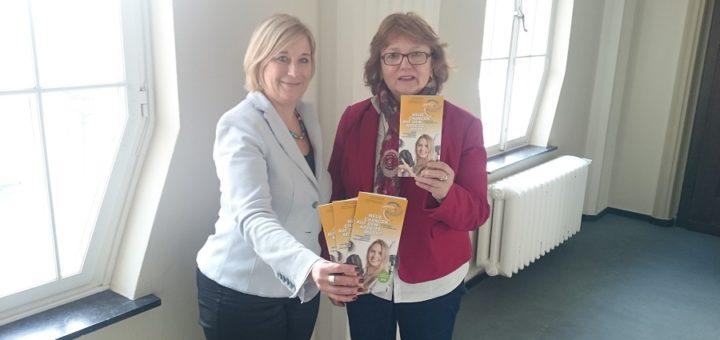 Die KOS-Leiterin Claudia Körner-Reuter und KOS-Mitarbeiterin Anne Wilkens-Lindemann freuen sich Jahr für Jahr über einen großen Zuwachs an Frau, die sich für die Angebot der Koordinierungsstelle interessieren.Foto: nba