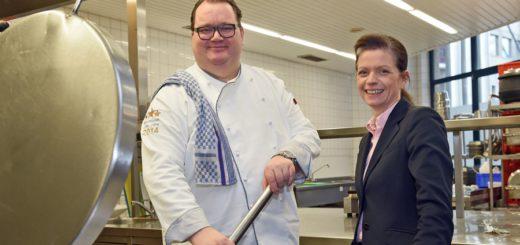 Astrid Leimbach mit Chefkoch Stephan Zielinski. Foto: Schlie