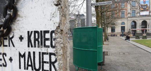 Das Pissoir sorgt direkt auf dem Platz der deutschen Einheit für Empörung bei der CDU. Foto: Schlie