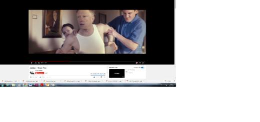 Break Free - Werbespot Video für Adidas mit dem Schauspieler Jens Weisser (Bild Mitte) von Regisseur Eugen Merher, das bei Youtube viral gegangen ist und millionenfach geklickt wurde Foto: Screenshot Weser Report /Youtube am 25.01.2017