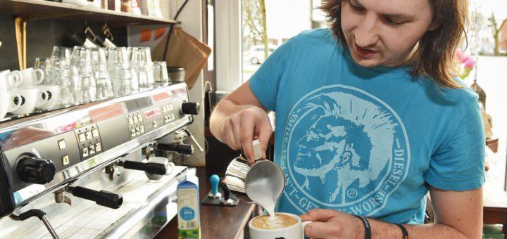 Neuer Kaffeetrend in Bremen: Es geht nicht mehr um den schnellen Wachmacher, sondern ums Genießen. Foto: Schlie
