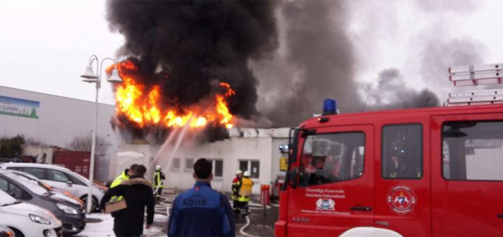 Menschen wurden nicht verletzt. Der entstandene Sachschaden wird nach bisherigen Schätzungen auf mehrere hunderttausend Euro beziffert. Foto: Feuerwehr Osterholz-Scharmbeck