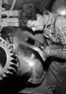 Vidalis aus Athen arbeitete als E-Schweißer bei der Maschinenfabrik Weyhausen. Foto: Stadtarchiv Delmenhorst, Fotonachlass Kunde