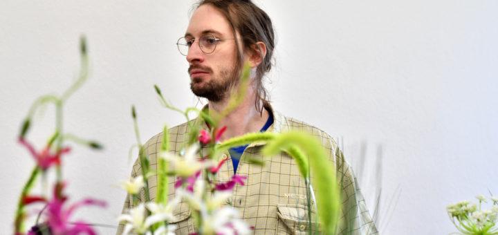 """Der Künstler Veith Laurent Kurz stellt vom 18. Februar bis zum 30. April seine """"Kräutergasse"""" in der Städtischen Galerie Haus Coburg in Delmenhorst aus. Foto: Konczak"""