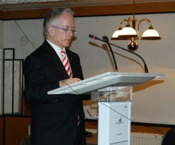 Der frühere Osterholzer Landrat und jetzige Leiter der Niedersächsischen Staatskanzlei in Hannover, Dr. Jörg Mielke, hielt die Festrede.  Foto: Bosse