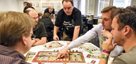 Auf den zehnten Bremer Spieletagen können Gesellschaftsspielefans am kommenden Wochenende zahlreiche Spiele unter Anleitung ausprobieren. Foto: Schlie