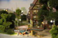 Ein neues Projekt der Modellbahnfreunde ist die Beleuchtung der Anlage. Foto: Füller