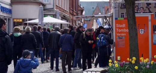 Für Sonntag lädt die Verdener Kaufmannschaft zum Shoppen in die City ein. Auch bei der Stadttombola kann dann jeder sein Glück versuchen. Foto: Bruns/av