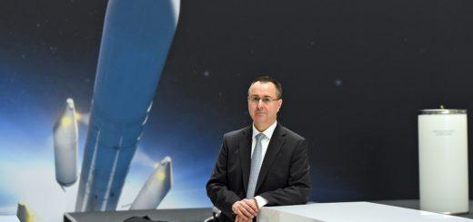 """Pierre Godart, Geschäftsführer der Airbus Safran Launchers GmbH, stellte die """"Ariane 6"""" vor, deren Oberstife in Bremen gefertigt wird. Ab 2020 soll sie in den Orbit starten.Foto: Schlie"""