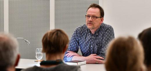 Bernhard Kegel las im HWK vor einem interessierten Publikum. Im Anschluss musste er noch einige Fragen beantworten. Foto: Konczak