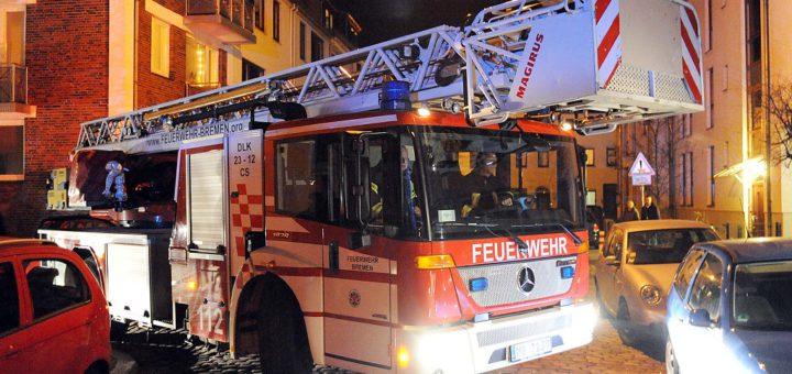 Kreuzungen werden zum Nadelöhr: Feuerwehr und Rettungskräfte sind beim Manövrieren darauf angewiesen, dass fünf Meter vor und hinter der Kreuzung niemand parkt.Foto: WR/Bahlo