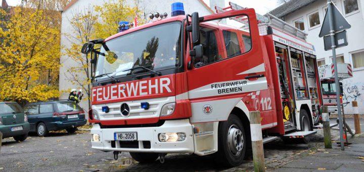 Unfall Verstorben Feuerwehr Feuerwehrfahrzeug tot Feuer Pkw Symbolfoto: WR