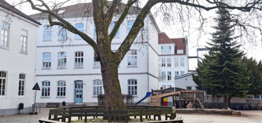 An der Grundschule am Buntentorsteinweg werden im Sommer so viele Erstklässler eingeschult, dass der Platz nicht mehr reicht. Foto: Schlie