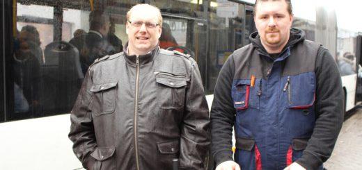 Bei Wind und Wetter unterwegs: Matthias Esser und Marco Lehmann setzen sich dafür ein, dass die Linie 99 wieder in Betrieb genommen wird. Foto: Harm
