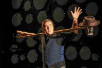 Ob als Jongleur mit Hut und Besenstiel oder als Klangkünstler: Die Auftritte von Robert James Webber sind ein Erlebnis. Foto: GOP