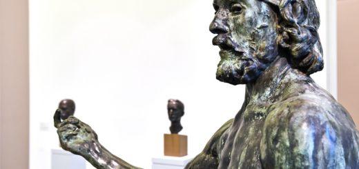 """""""Johannes der Täufer"""" – eines der Hauptwerke Rodins, das derzeit in der Kunsthalle Bremen zu sehen ist.Fotos(2): Schlie"""