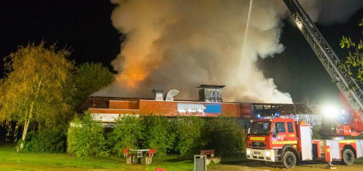200 Rettungskräfte waren bei einem Großbrand in Verden im EInsatz. Foto: Kreisfeuerwehr Verden/Köhler