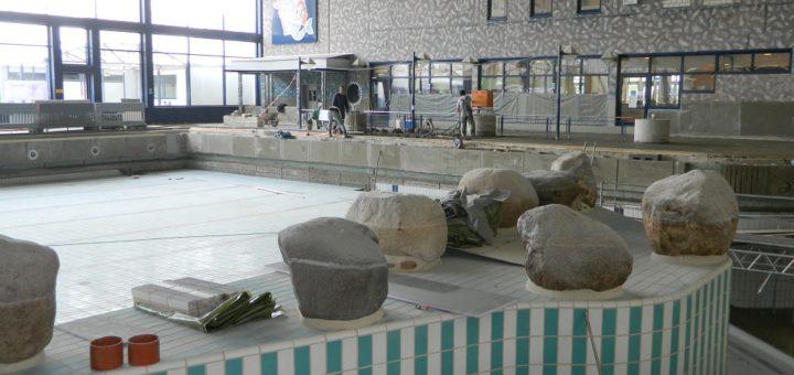 Statt nach Chlor riecht es im Allwetterbad dieser Tage nach Zement. Bis zum Sommer wird das Bad saniert. Foto: Bosse
