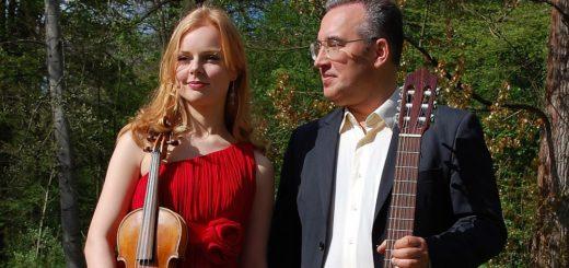 Die Violinistin Anna Markova und Gennady Kuznetsov treten Anfang Mai in Delmenhorst auf. Er wird sie an der Gitarre begleiten.Foto: pv