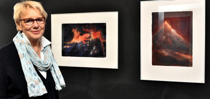 Waltraut Fessel zeigt bis Anfang Juni ihre Farbimpressionen im Haus Berger.Foto: Konczak