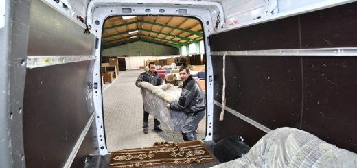 Das Team vom Möbellager holt die Einrichtungsgegenstände von Spendern ab und bringt sie zu ihren neuen Besitzern. Foto: Konczak