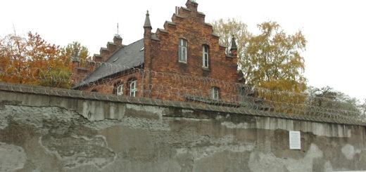 In der Justizvollzugsanstalt Bremen müssen die Heizungen und Lüftungen für 2,9 Millionen Euro saniert werden. Foto: Schlie