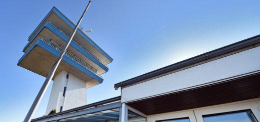 Der Verein Zucker übernimmt als Hauptmieter die Koordination der Aktivitäten am leer stehenden Lankenauer Höft. Foto: Schlie