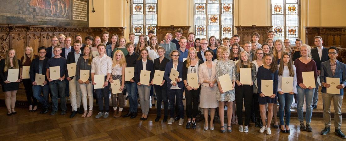 Bremens Beste Abiturienten Im Rathaus Geehrt