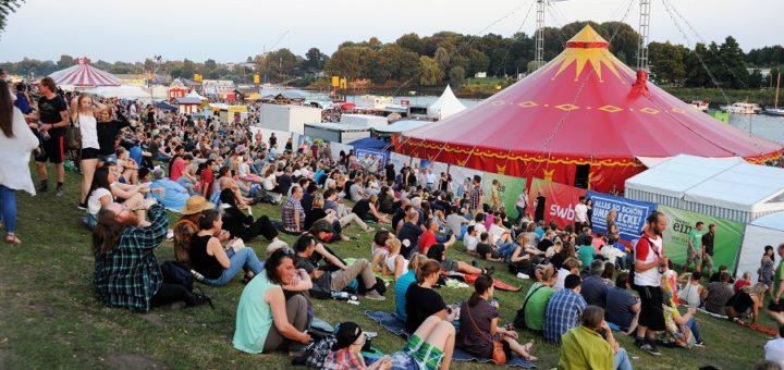 So soll es sein bei der Breminale vom 5. bis zum 9. Juli: Lauschige Sommerabende, friedliche Menschen und überall ertönt Musik. Foto: av