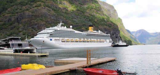 """Die """"Costa Magica"""" ist in diesem Sommer unterwegs im Nordland. Foto: Letzeisen"""