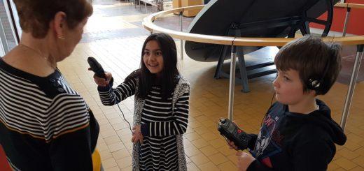 Die Kinder führten im Museum auch Interviews durch.Foto: Christian Kohfeld