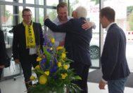 Auch eine Abordnung des Vorstandes vom SV Atlas nahm an der VIP-Eröffnung am Freitag teil. Manfred Engelbart ist ein Förderer des Vereins. Außerdem ist der Fußballer Daniel Isailovic im Mazda-Standort als Verkaufsberater angestellt.