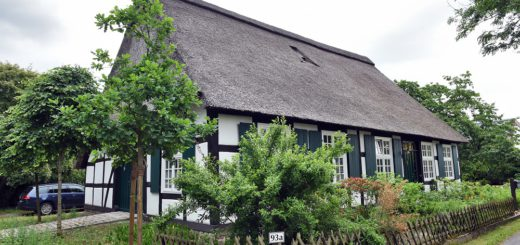 Das Haus Schumacher in Oberneuland wird seit 2013 in Zusammenarbeit mit der Landesdenkmalpflege saniert. Foto: Schlie