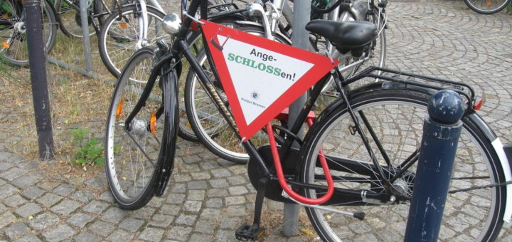 """Mit dem Projekt """"Angeschlossen!"""" möchte die Polizei die Fahrradfahrer dazu animieren, sichere Schlösser zu verwenden. Foto: pv"""