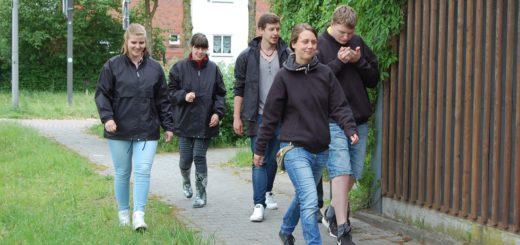 Die Walking-Gruppe der ASB-Tagesförderstätte in Aktion. Foto: pv