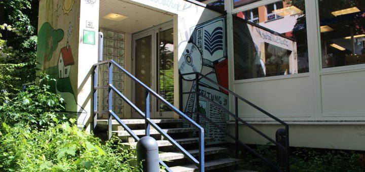 Die Stadtteilbibliothek zieht während der Umbauphase von der Hindenburgstraße an die Stader Landstraße. Foto: Harm